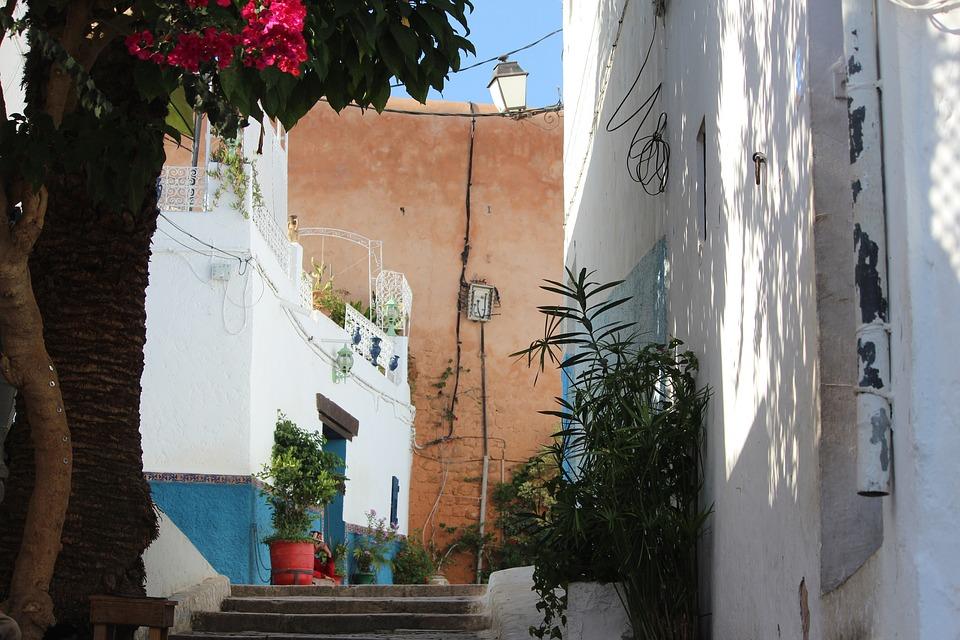 morocco-tanger-street1532022424
